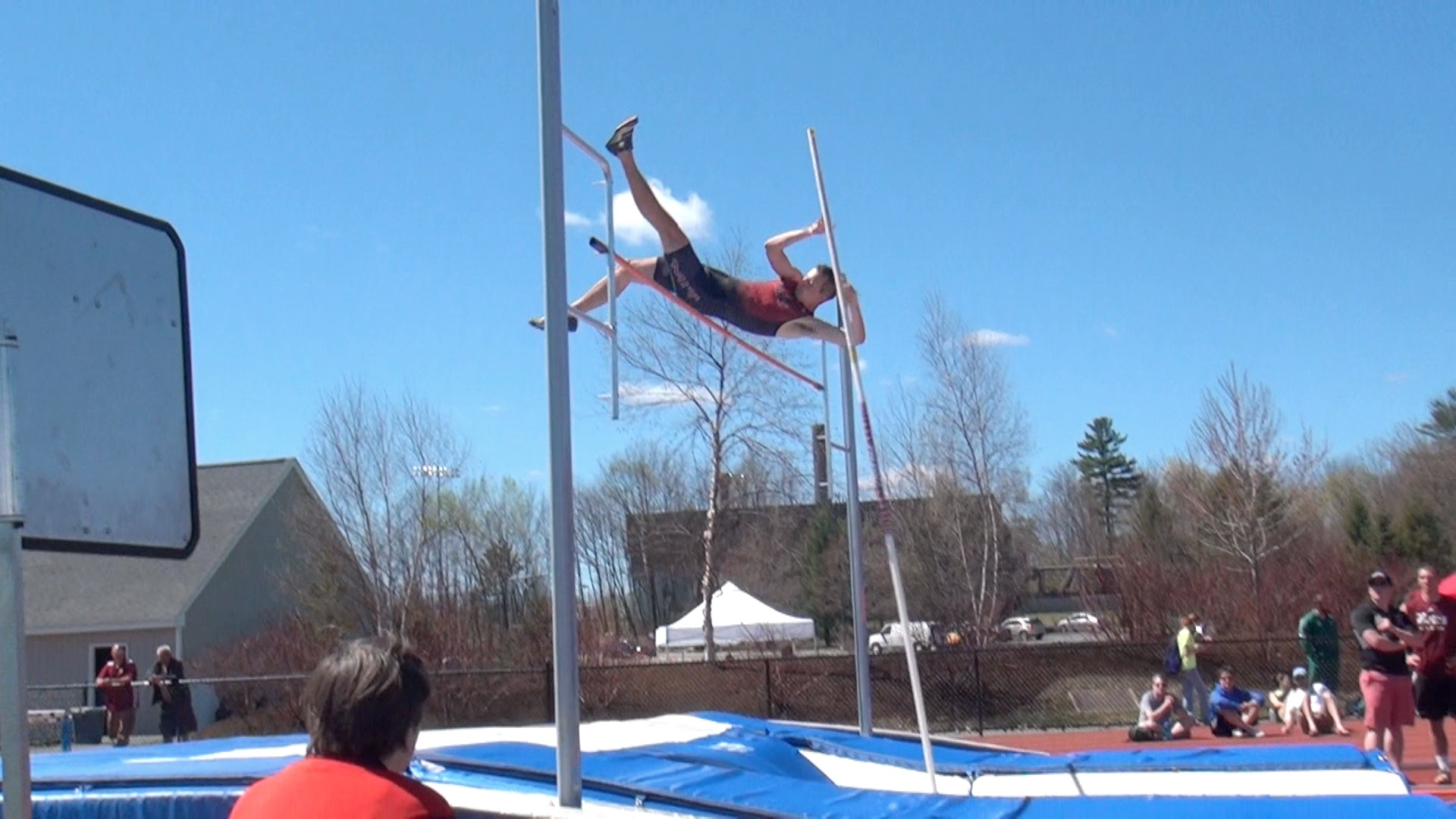 how to pole vault The first world record in the men's pole vault was recognised by the international association of athletics federations in 1912 as of june 21, 2009, 71 world records have been ratified by.